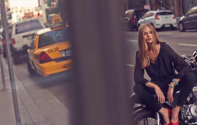 motosikletli kadın