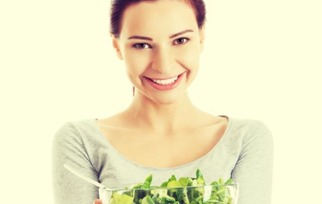 salata tutan kadın