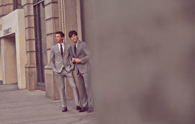 takım elbiseli adamlar
