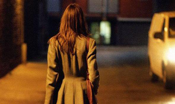 sokakta kadın