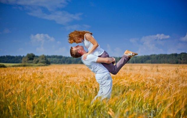 Aşk hormonu oksitosin ve alkolün zihin ve bedene etkilerinin fazlası zararlı olabilir.
