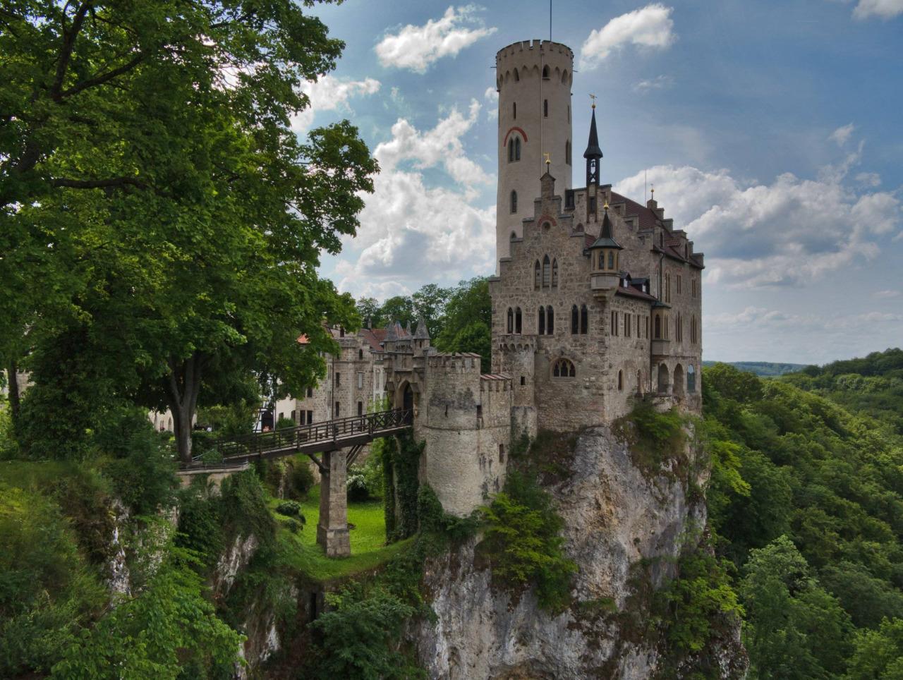 22 Lichtenstein kalesi Baden-Württemberg almanya