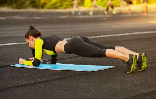 Düzenli plank yaptığınızda bedeninizde gerçekleşecek 7 harika şey