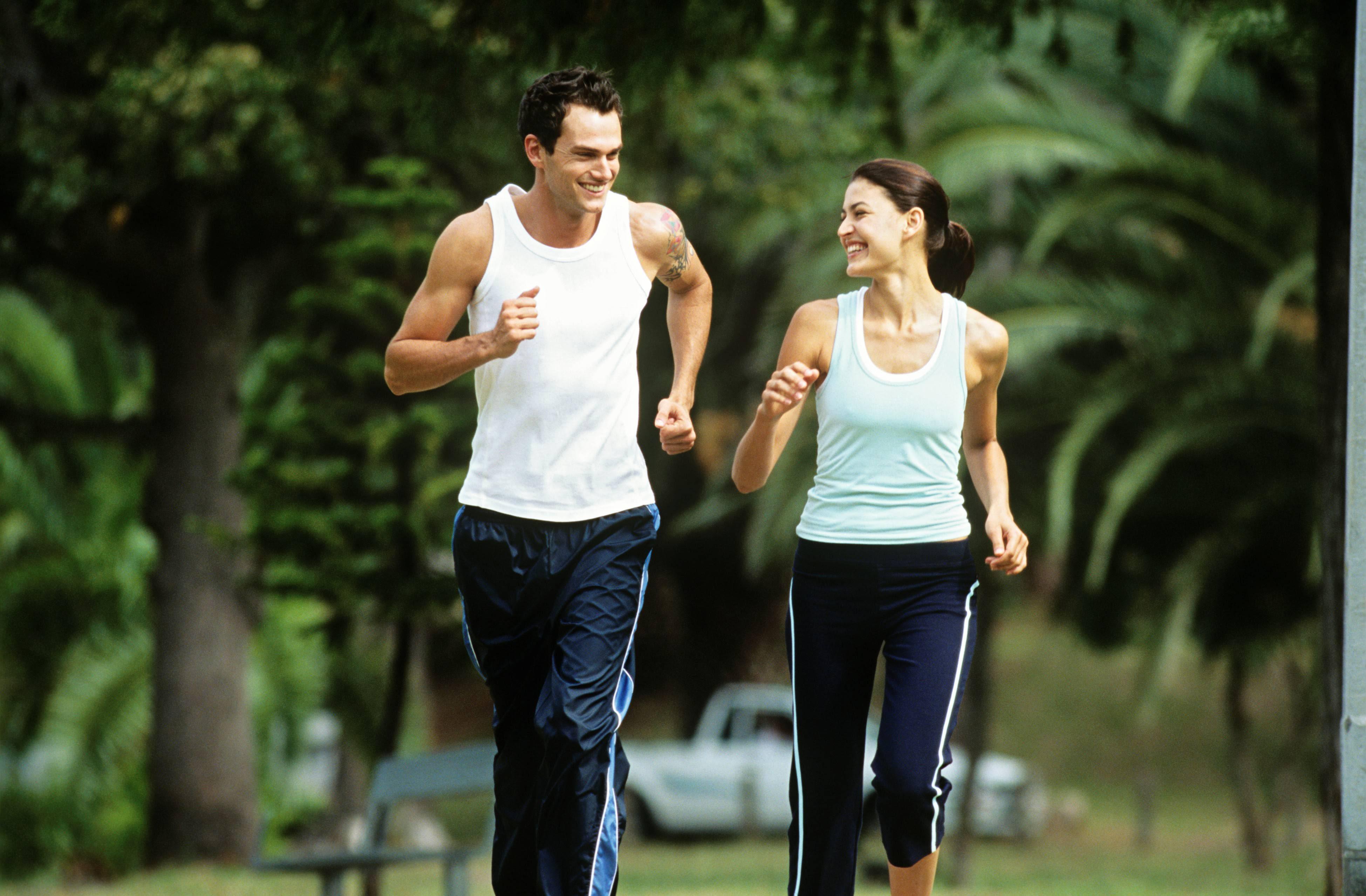 Hareketli yaşamı benimsemiş kişiler romantik ilişkilerinde daha başarılı oluyor