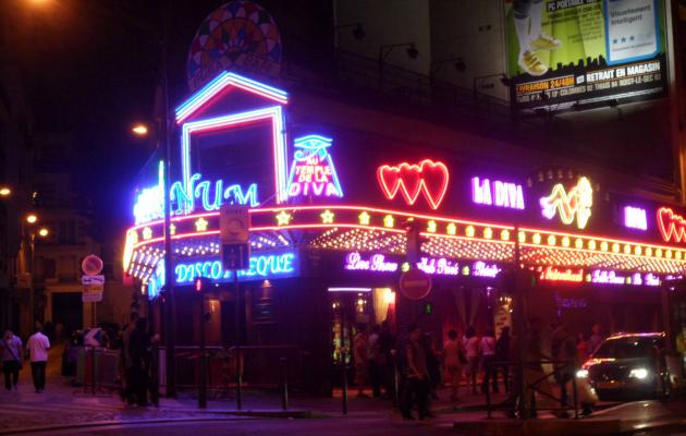 Paris güncesi: Eğlence merkezi Moulin Rouge'un keşfi
