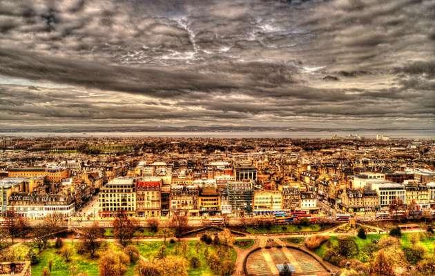 Kasınca Aşkın Bir Başka Olduğu Memleket, Edinburgh