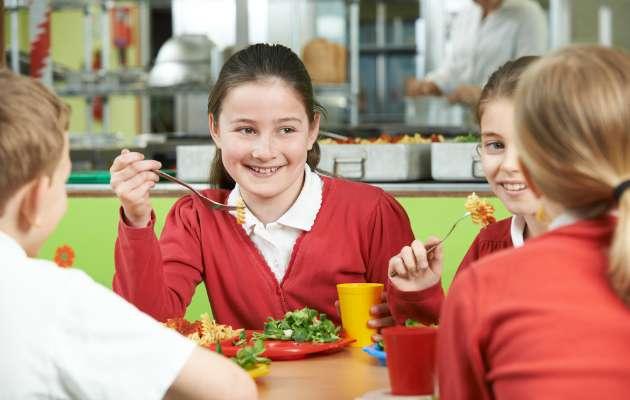 Okul çağına gelmiş çocukların beslenmeleri nasıl olmalıdır?