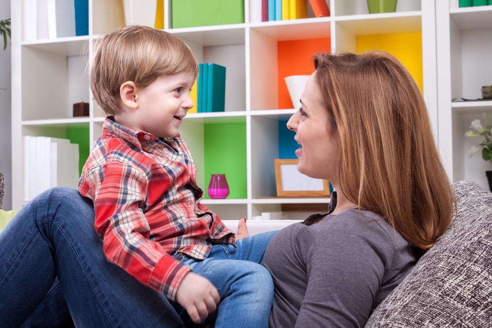 Sadece konuşarak daha başarılı çocuklar yetiştirmek mümkün