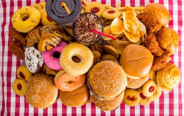 Depresyonla ilişkisi olan 3 yiyecek  Bu yiyecekler depresyona neden oluyor depresyon2