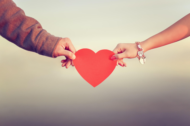 Güvensizlik duygunuzun ilişkinize zarar vermesini engellemenin 4 yolu