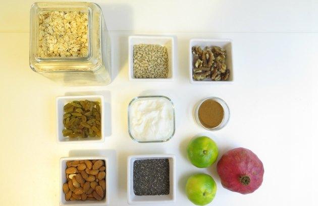 Sağlıklı bir kahvaltı: nar ve mandalina ile sonbahar müsli