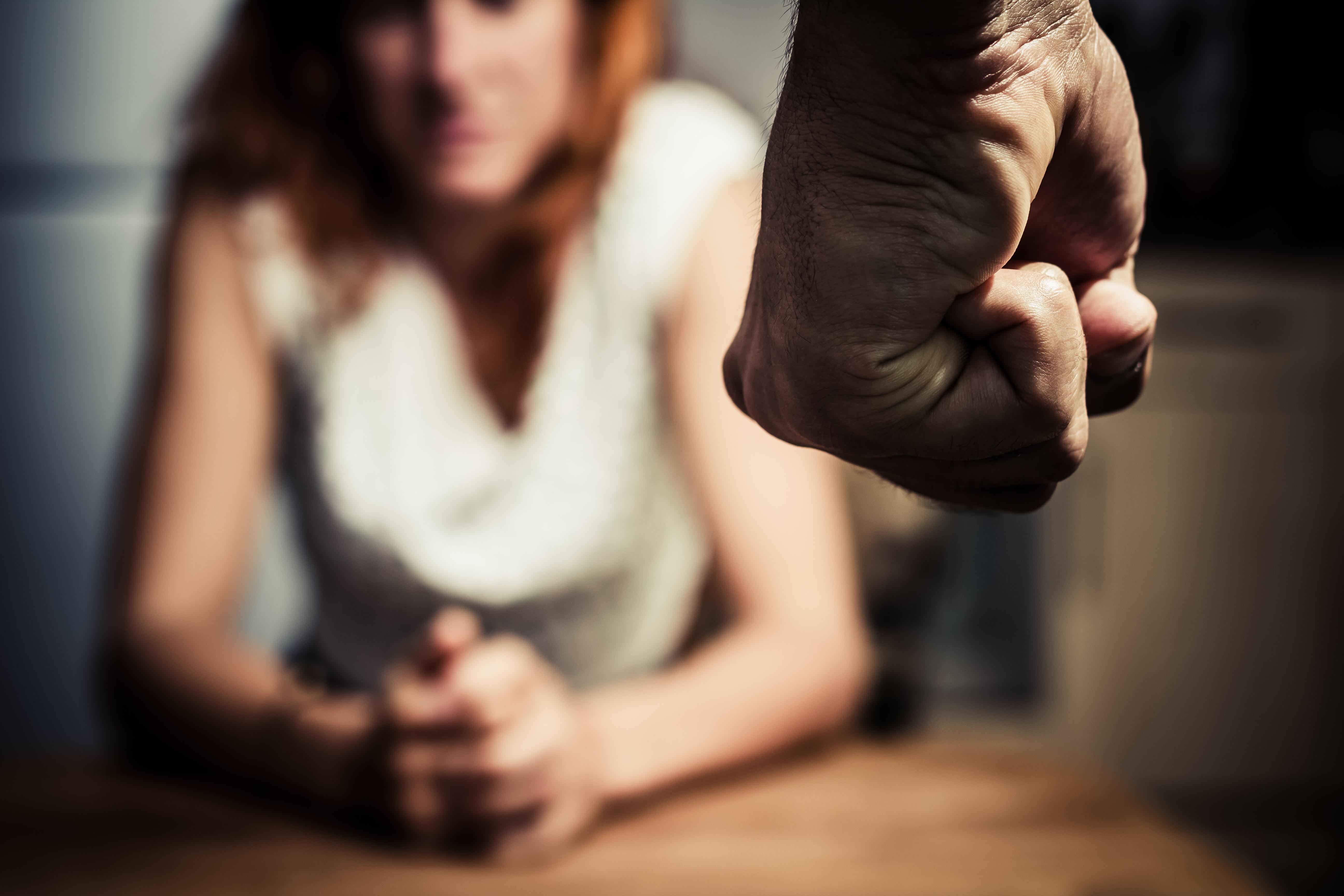 İlişkide şiddet ve baskılama: Birlikte olduğunuz kişinin size şiddet uyguladığının 10 sinyali