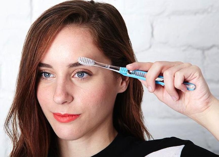 Ağız ve diş temizliğinde raf ömrünü tamamlayan manuel diş fırçanızı değerlendirmenin 8 pratik yolu