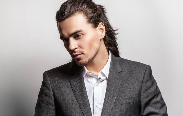 Erkekler için uzun saç rehberi