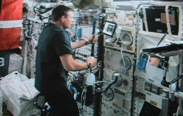 Bir astronot uzay istasyonundan yeryüzündeki robotu kontrol edebildi