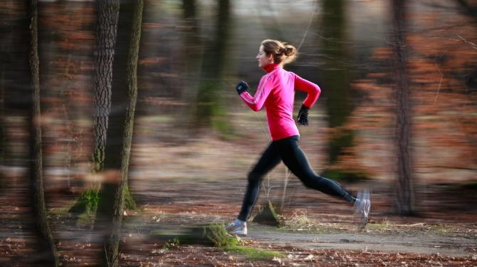 Yoganın koşu için neden vazgeçilmez olduğunu gösteren 5 özellik