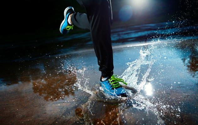 Koşu ayakkabısı seçerken koşullarınızı ve ayak tipinizi göz önünde bulundurmalısınız