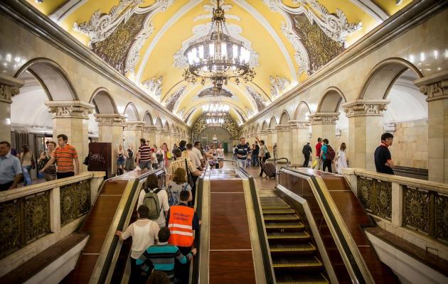 Moskova Metrosu başlı başına bir şehir gibi!