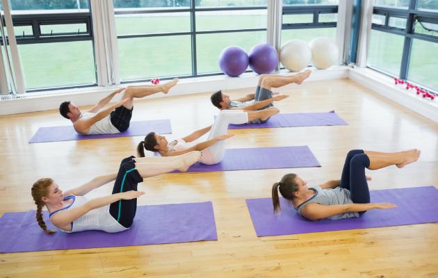 Pilates hareketleri yogaya göre daha dinamiktir