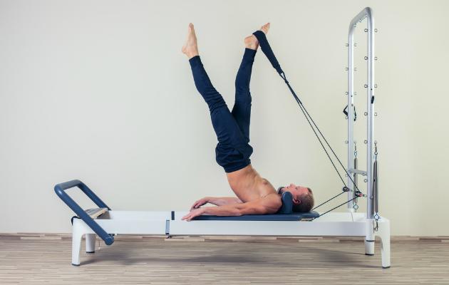 Reformer pilates egzersizi